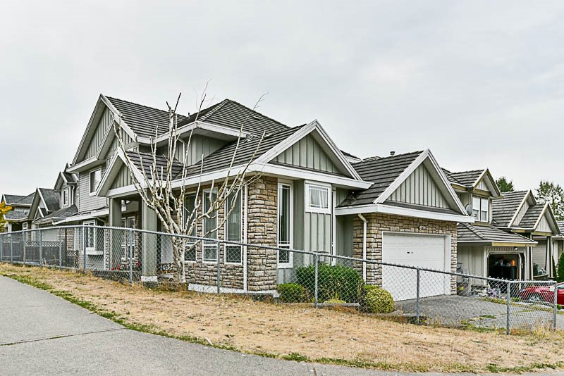 Main Photo: 14478 68 Avenue in Surrey: East Newton House for sale : MLS® # R2209121