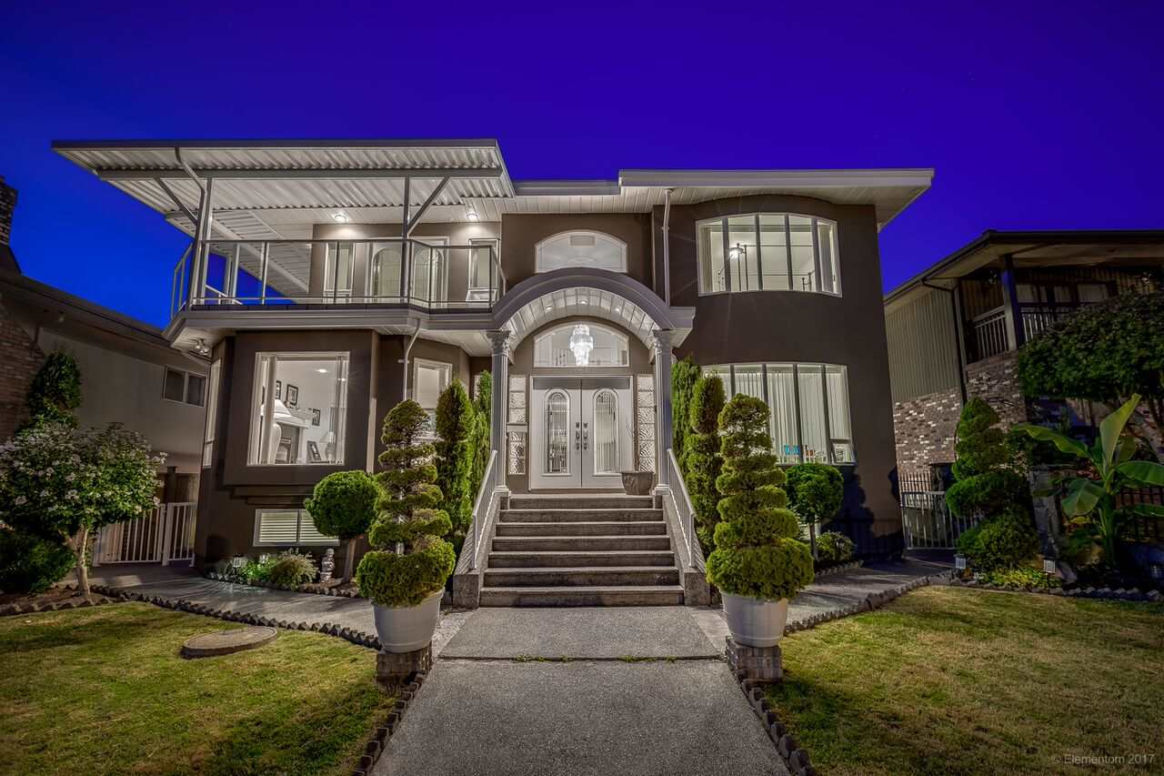 "Main Photo: 6937 BROADWAY in Burnaby: Montecito House for sale in ""MONTECITO"" (Burnaby North)  : MLS®# R2221091"