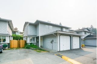 "Main Photo: 117 11255 HARRISON Street in Maple Ridge: East Central Townhouse for sale in ""RIVER HEIGHTS ESTATES"" : MLS®# R2299284"