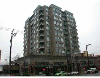 "Main Photo: 201 720 CARNARVON ST in New Westminster: Downtown NW Condo for sale in ""CARNARVON TOWERS"" : MLS®# V565244"