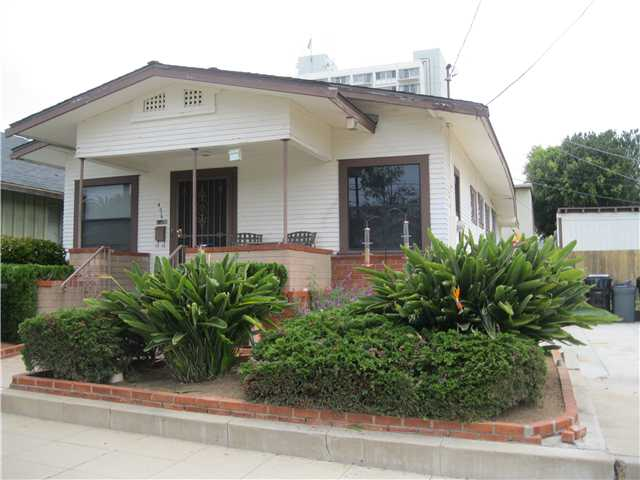 Main Photo: MISSION HILLS House for sale : 2 bedrooms : 4019 Jackdaw Street in San Diego