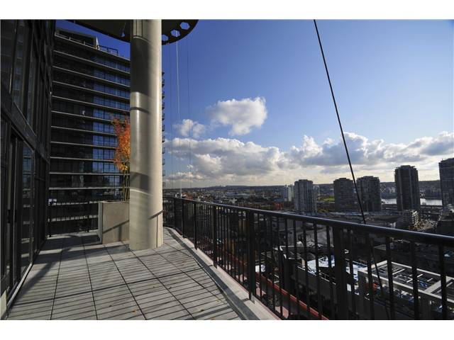 Photo 3: 2306 128 W CORDOVA Street in Vancouver: Downtown VW Condo for sale (Vancouver West)  : MLS(r) # V902976