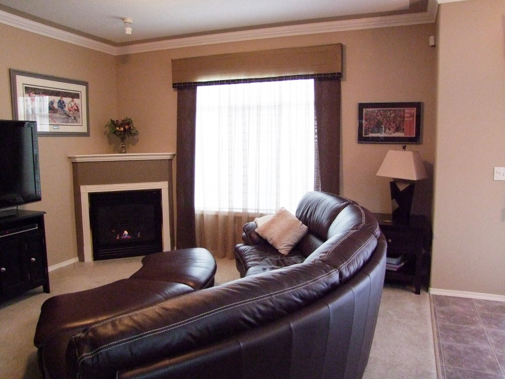 Photo 2: 151 46360 Valleyview Road in Chilliwack: Promontory Townhouse for sale (Sardis)  : MLS(r) # H1302332