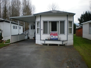"Main Photo: 10 45111 WOLFE Road in Chilliwack: Chilliwack W Young-Well Manufactured Home for sale in ""FRASER VILLAGE"" : MLS® # H1400243"