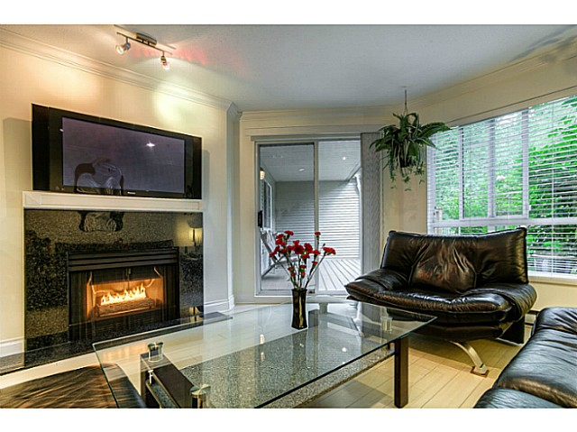 "Photo 8: 120 1252 TOWN CENTRE Boulevard in Coquitlam: Canyon Springs Condo for sale in ""The Kennedy"" : MLS® # V1070670"