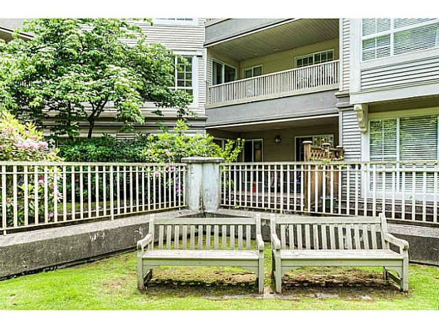 "Photo 18: 120 1252 TOWN CENTRE Boulevard in Coquitlam: Canyon Springs Condo for sale in ""The Kennedy"" : MLS® # V1070670"