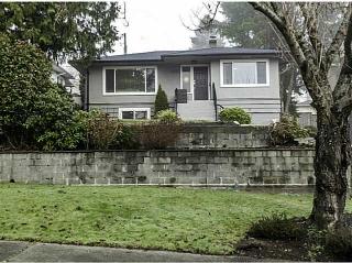 "Main Photo: 4667 NAPIER Street in Burnaby: Brentwood Park House for sale in ""Brentwood Park"" (Burnaby North)  : MLS(r) # V1098835"