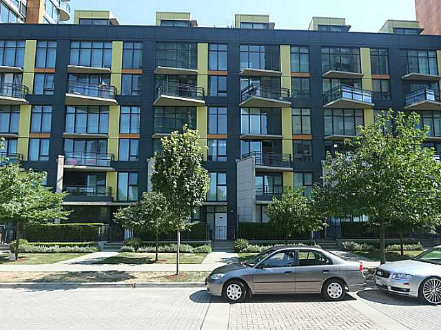 "Main Photo: 305 29 SMITHE Mews in Vancouver: Yaletown Condo for sale in ""COOPERS LOOKOUT"" (Vancouver West)  : MLS® # V1139526"