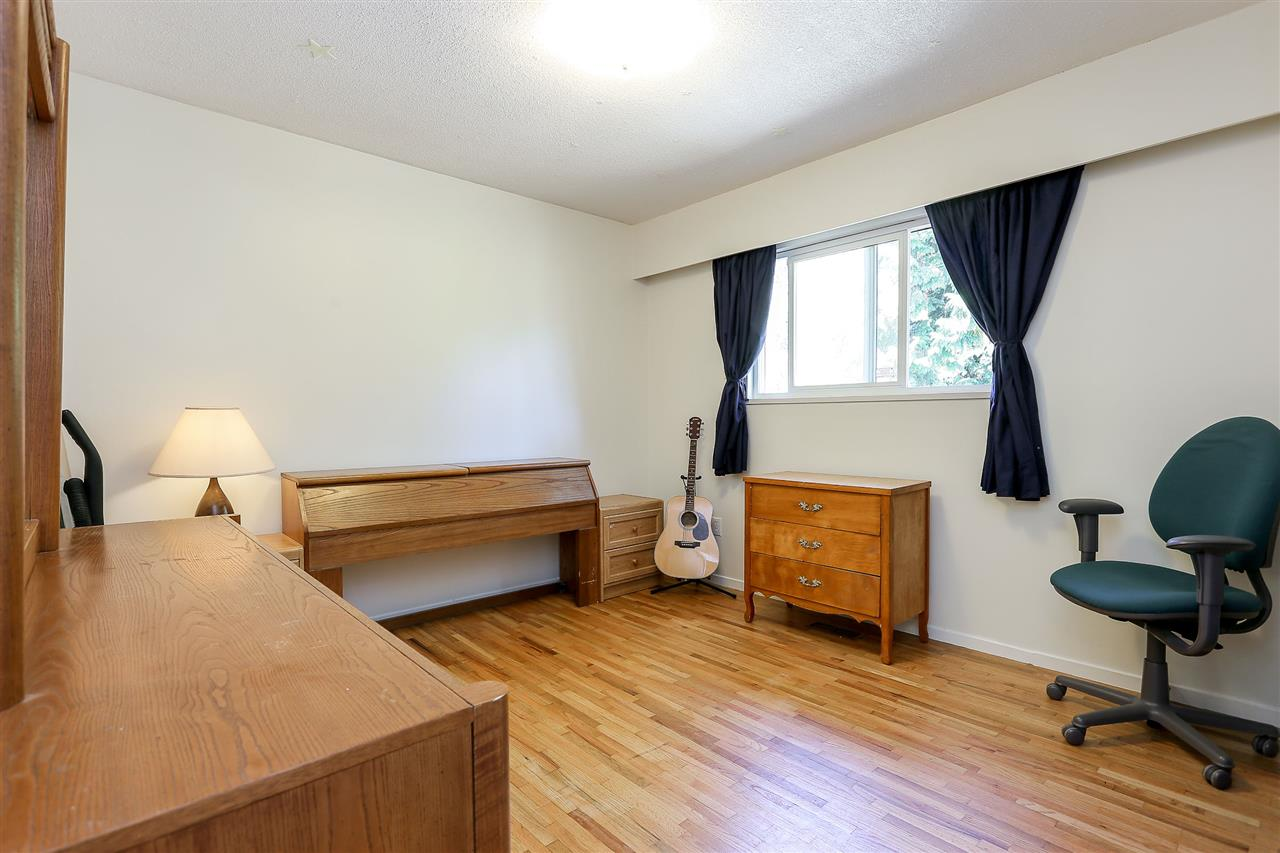 Photo 11: 623 DRAYCOTT Street in Coquitlam: Central Coquitlam House for sale : MLS® # V1143137