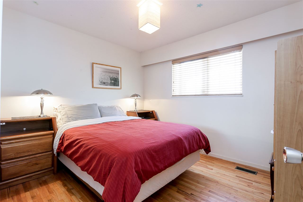 Photo 10: 623 DRAYCOTT Street in Coquitlam: Central Coquitlam House for sale : MLS® # V1143137