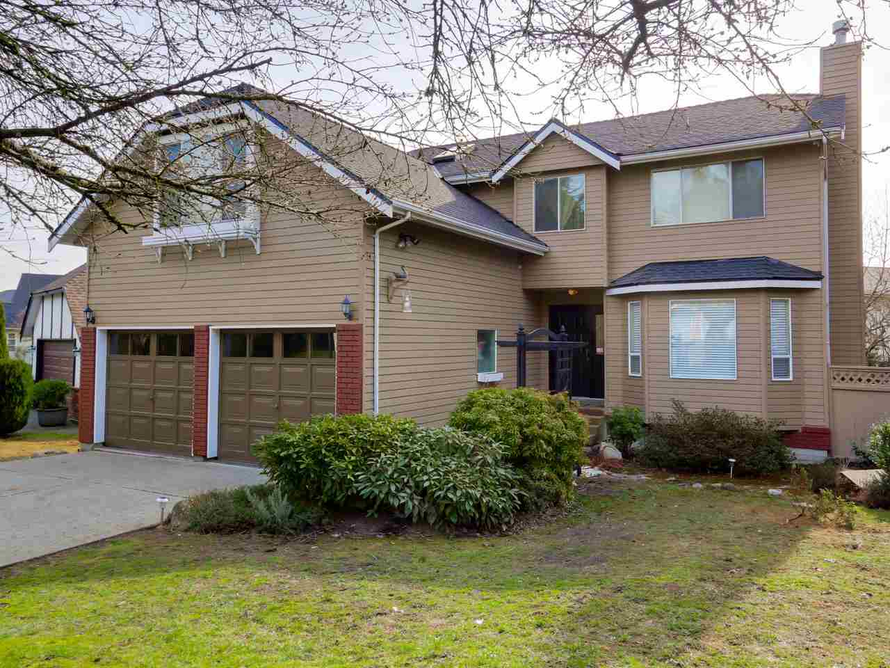 FEATURED LISTING: 2868 TEMPE KNOLL Drive North Vancouver