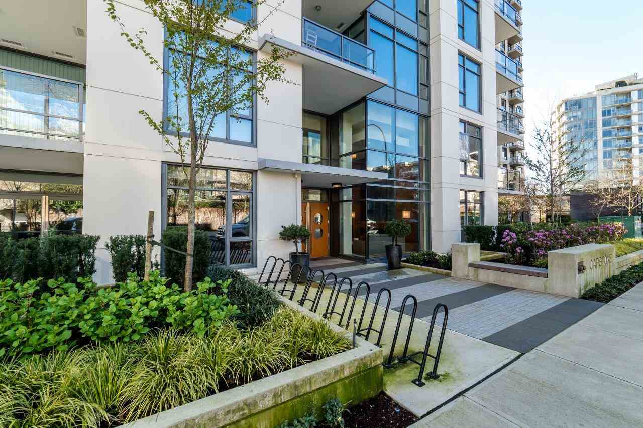 "Main Photo: 312 135 W 2ND Street in North Vancouver: Lower Lonsdale Condo for sale in ""CAPSTONE"" : MLS®# R2049333"