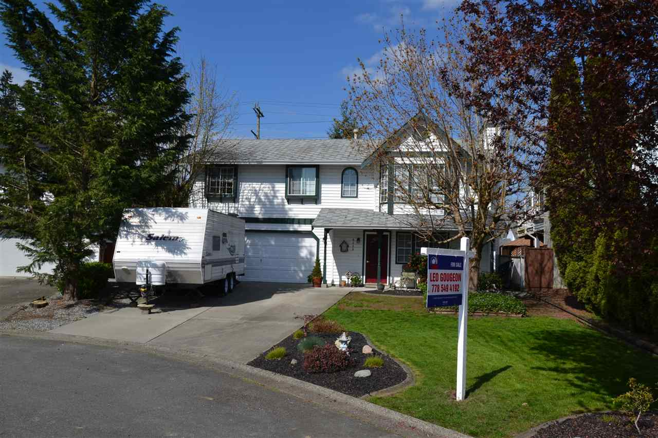 "Main Photo: 9488 209B Crescent in Langley: Walnut Grove House for sale in ""Walnut Grove"" : MLS®# R2053844"