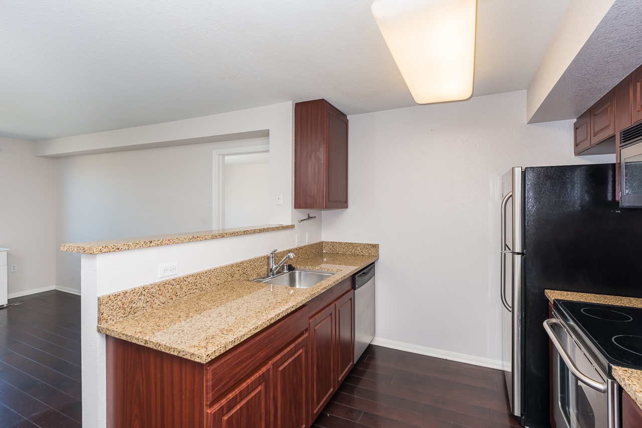 Photo 10: DOWNTOWN Condo for sale : 2 bedrooms : 1970 Columbia St #405 in San Diego