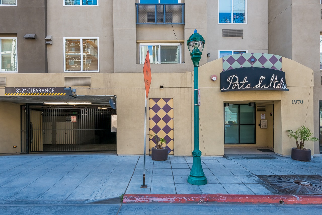 Photo 2: DOWNTOWN Condo for sale : 2 bedrooms : 1970 Columbia St #405 in San Diego
