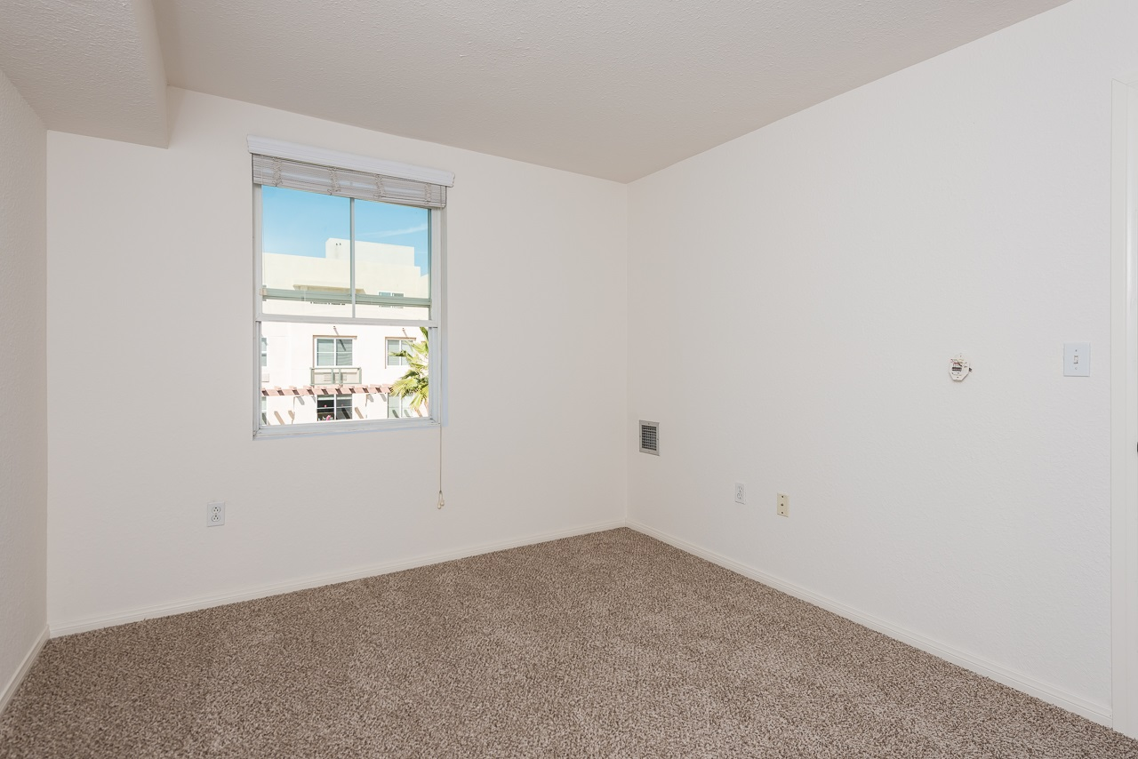 Photo 17: DOWNTOWN Condo for sale : 2 bedrooms : 1970 Columbia St #405 in San Diego