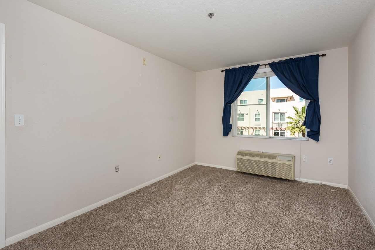Photo 12: DOWNTOWN Condo for sale : 2 bedrooms : 1970 Columbia St #405 in San Diego