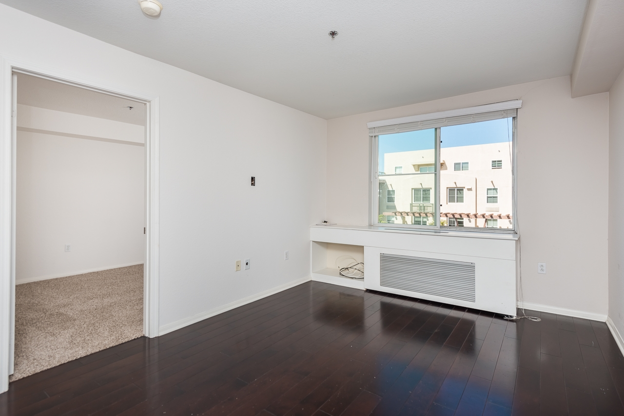 Photo 4: DOWNTOWN Condo for sale : 2 bedrooms : 1970 Columbia St #405 in San Diego
