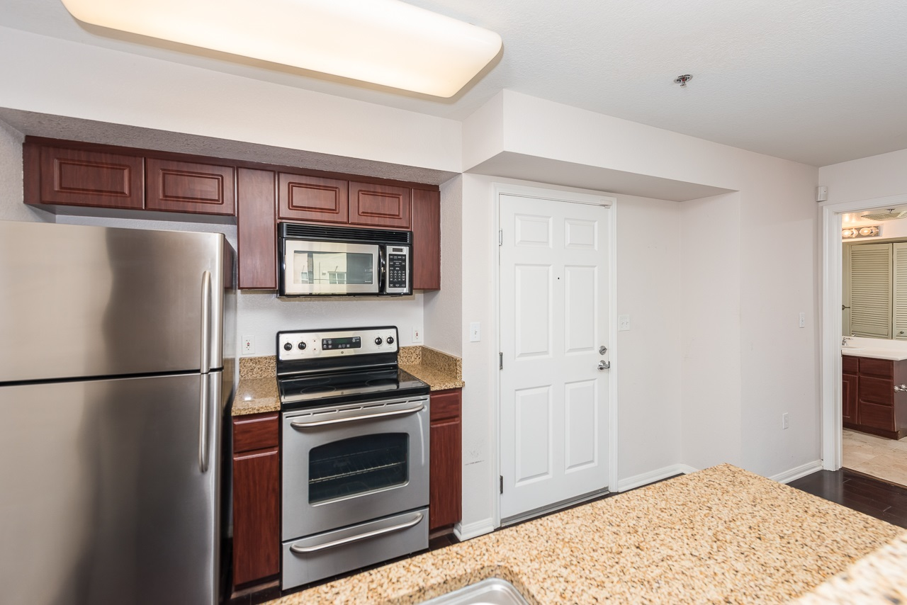 Photo 8: DOWNTOWN Condo for sale : 2 bedrooms : 1970 Columbia St #405 in San Diego