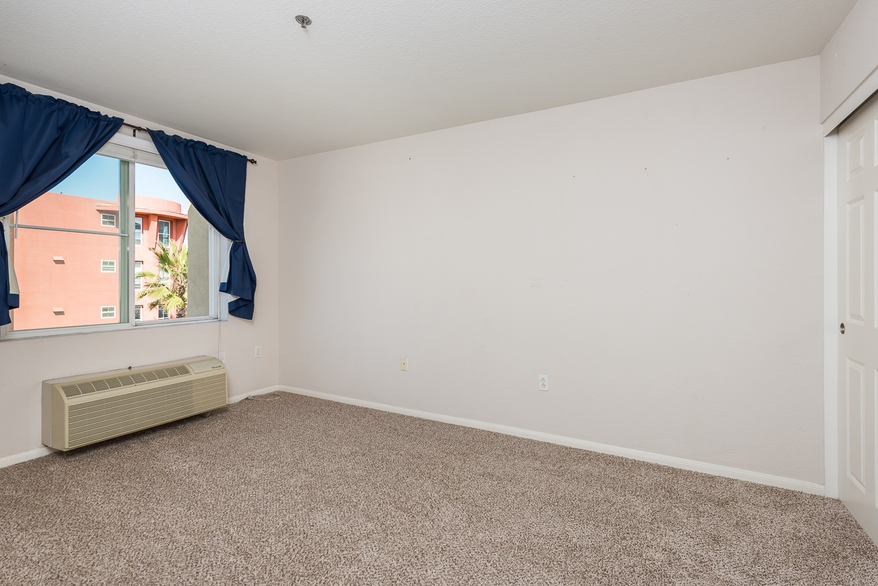 Photo 11: DOWNTOWN Condo for sale : 2 bedrooms : 1970 Columbia St #405 in San Diego