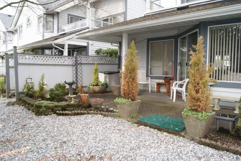 "Photo 33: 3 9251 122 Street in Surrey: Queen Mary Park Surrey Townhouse for sale in ""Kensington Gate"" : MLS(r) # R2142201"
