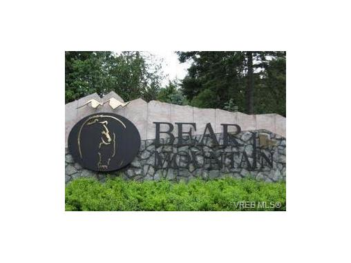 Photo 2: 209 1375 Bear Mountain Parkway in VICTORIA: La Bear Mountain Condo Apartment for sale (Langford)  : MLS® # 375427