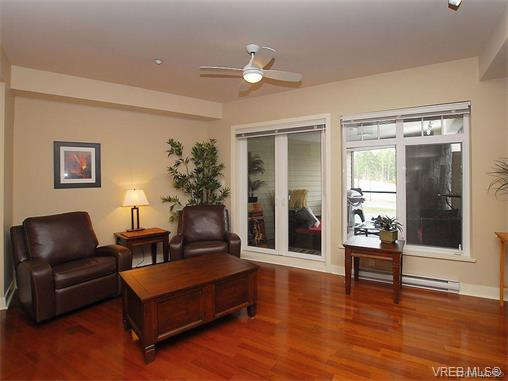 Photo 10: 209 1375 Bear Mountain Parkway in VICTORIA: La Bear Mountain Condo Apartment for sale (Langford)  : MLS® # 375427