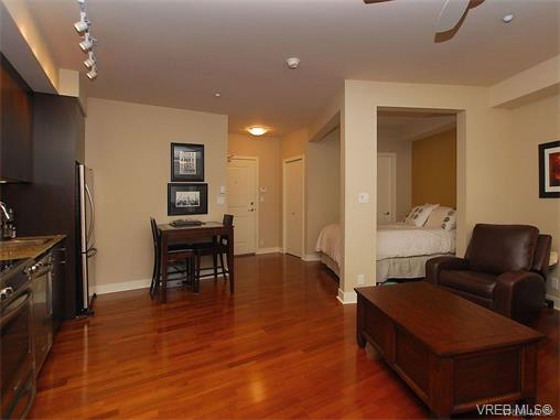 Photo 11: 209 1375 Bear Mountain Parkway in VICTORIA: La Bear Mountain Condo Apartment for sale (Langford)  : MLS® # 375427