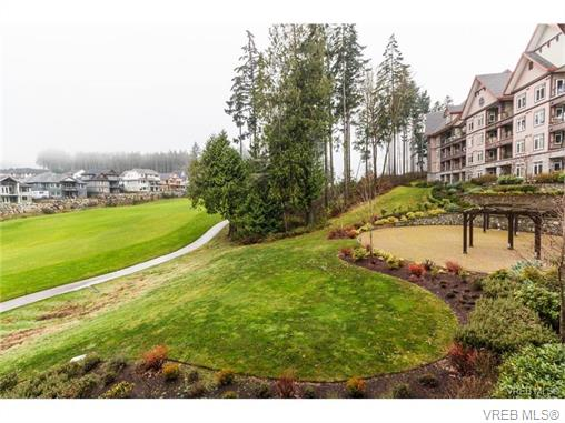 Photo 6: 209 1375 Bear Mountain Parkway in VICTORIA: La Bear Mountain Condo Apartment for sale (Langford)  : MLS® # 375427