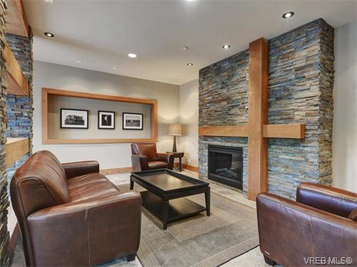 Photo 4: 209 1375 Bear Mountain Parkway in VICTORIA: La Bear Mountain Condo Apartment for sale (Langford)  : MLS® # 375427