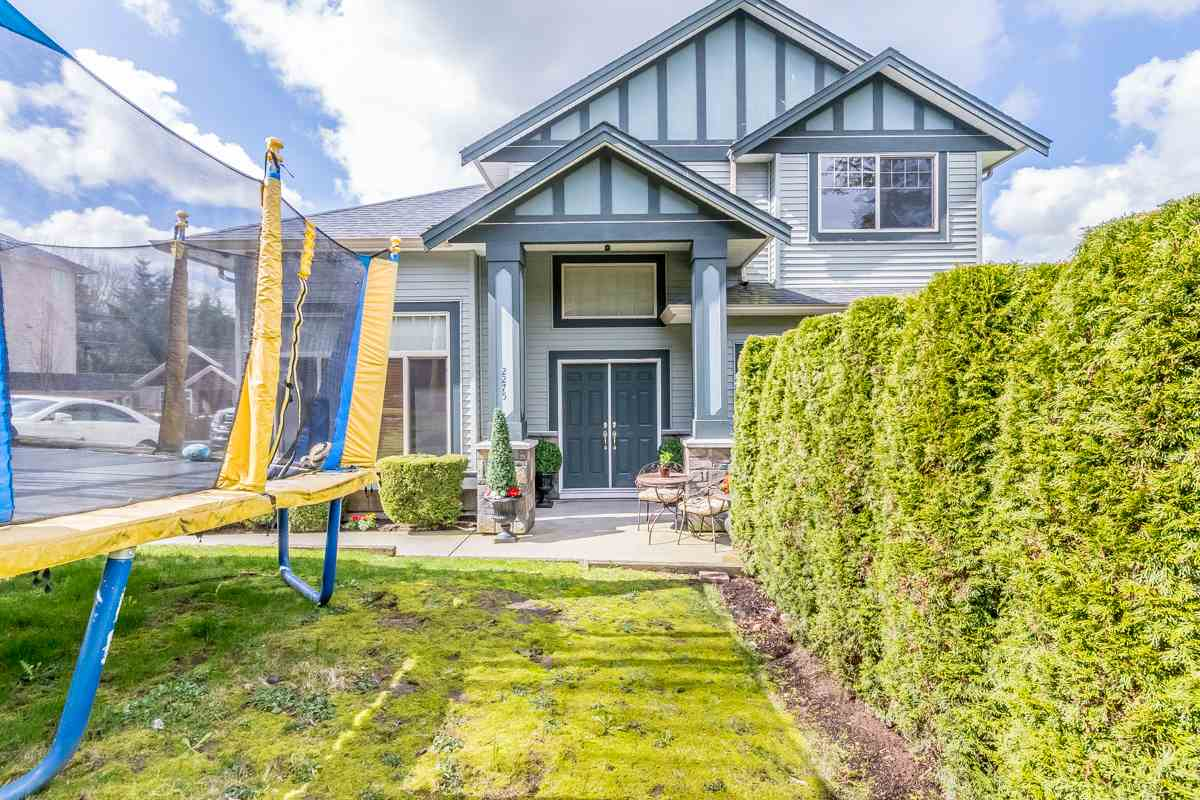 Main Photo: 2275 MARTENS Street in Abbotsford: Poplar House for sale : MLS®# R2151377
