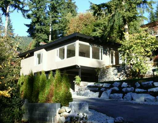 Main Photo: 250 W ROCKLAND Road in North Vancouver: Upper Lonsdale House for sale : MLS® # V624945