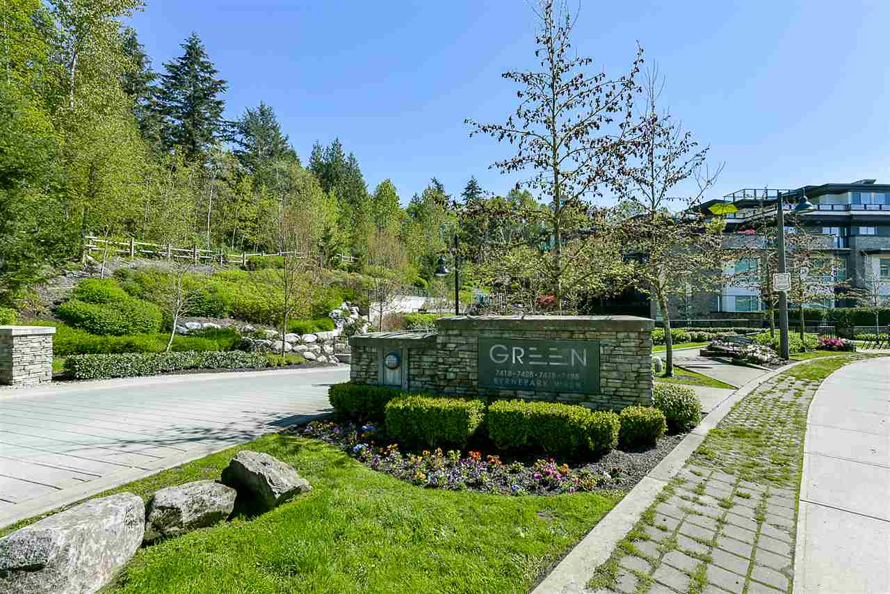 "Main Photo: 403 7428 BYRNEPARK Walk in Burnaby: South Slope Condo for sale in ""Green"" (Burnaby South)  : MLS®# R2163643"