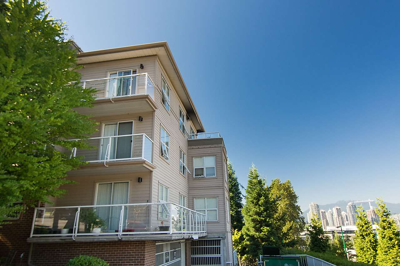 "Photo 17: 302 4181 NORFOLK Street in Burnaby: Central BN Condo for sale in ""NORFOLK PLACE"" (Burnaby North)  : MLS® # R2169179"