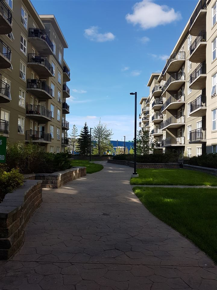 Photo 3: 2-108 4245 139 Avenue NW in Edmonton: Zone 35 Condo for sale : MLS(r) # E4065624