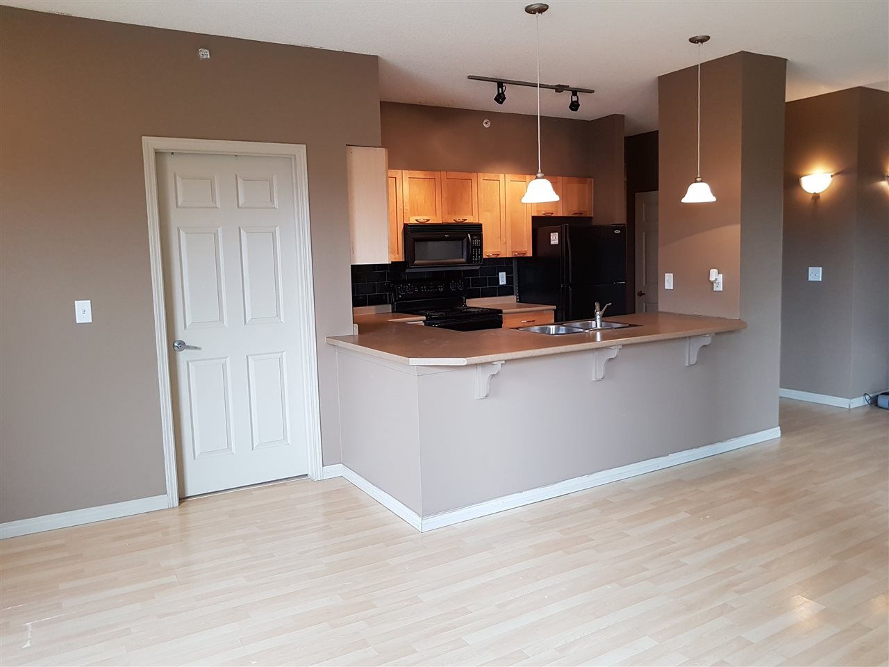 Photo 13: 2-108 4245 139 Avenue NW in Edmonton: Zone 35 Condo for sale : MLS(r) # E4065624