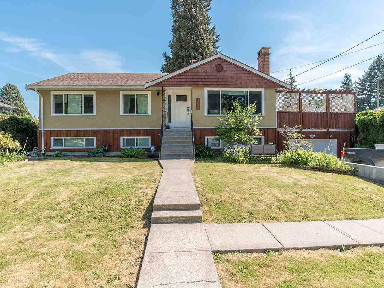 "Main Photo: 12592 102 Avenue in Surrey: Cedar Hills House for sale in ""St. Helens Park"" (North Surrey)  : MLS® # R2172412"