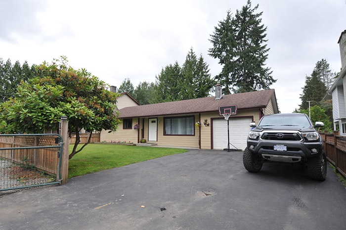 Main Photo: 11819 HAWTHORNE Street in Maple Ridge: Cottonwood MR House for sale : MLS(r) # R2180451