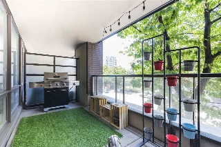 "Main Photo: 204 718 MAIN Street in Vancouver: Mount Pleasant VE Condo for sale in ""GINGER"" (Vancouver East)  : MLS® # R2187306"