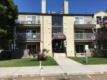 Main Photo: 202 44 ALPINE Place: St. Albert Condo for sale : MLS® # E4073338