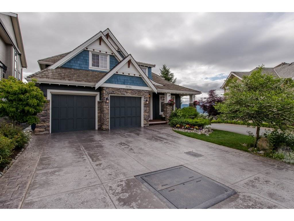 "Main Photo: 2644 LARKSPUR Court in Abbotsford: Abbotsford East House for sale in ""Eagle Mountain"" : MLS® # R2200470"