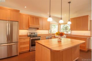 Main Photo: 130 Highwood Place in SALT SPRING ISLAND: GI Salt Spring Single Family Detached for sale (Gulf Islands)  : MLS®# 382743