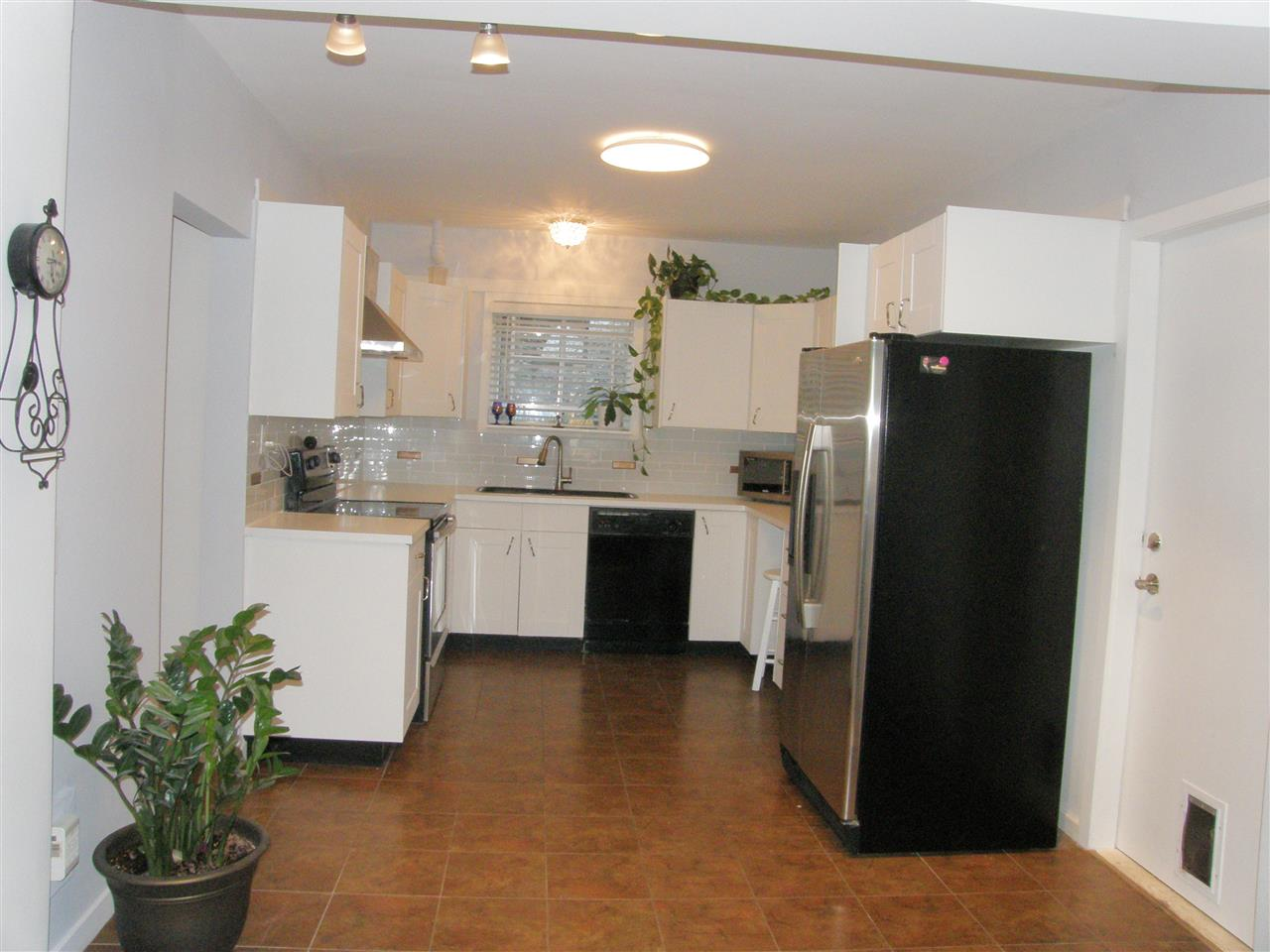 Photo 5: Photos: 788 CALVERHALL Street in North Vancouver: Calverhall House for sale : MLS® # R2245708