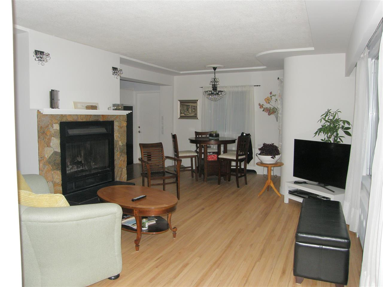 Photo 2: Photos: 788 CALVERHALL Street in North Vancouver: Calverhall House for sale : MLS® # R2245708