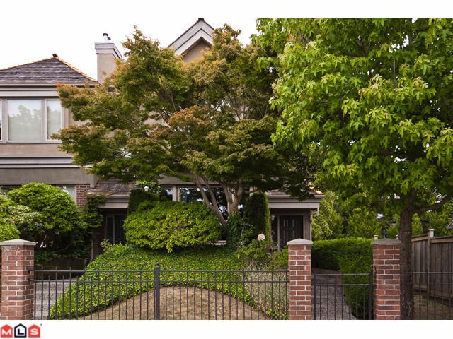 "Main Photo: 15431 RUSSELL Avenue: White Rock Townhouse for sale in ""Courtyards"" (South Surrey White Rock)  : MLS® # F1120397"