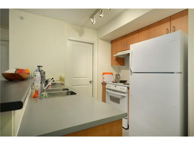 Photo 3: 702 1295 RICHARDS Street in Vancouver: Downtown VW Condo for sale (Vancouver West)  : MLS(r) # V924739