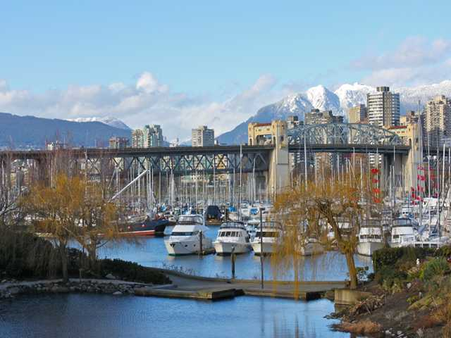 Main Photo: 207 1515 W 2ND Avenue in Vancouver: False Creek Condo for sale (Vancouver West)  : MLS(r) # V952664