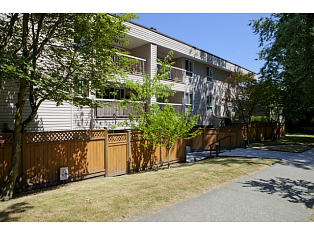 Photo 7: # 311 825 E 7TH AV in Vancouver: Mount Pleasant VE Condo for sale (Vancouver East)  : MLS(r) # V1019662