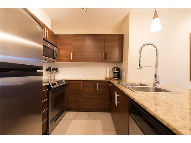 "Main Photo: 401 814 ROYAL Avenue in New Westminster: Downtown NW Condo for sale in ""NEWS NORTH"" : MLS® # V1036016"