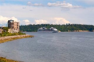 "Main Photo: 408 150 24TH Street in West Vancouver: Dundarave Condo for sale in ""SEASTRAND"" : MLS® # R2079885"